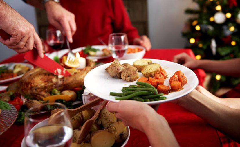 Durante las cenas recuerda no excederte en comer, preferible una merienda ligera. (Foto: Trome)