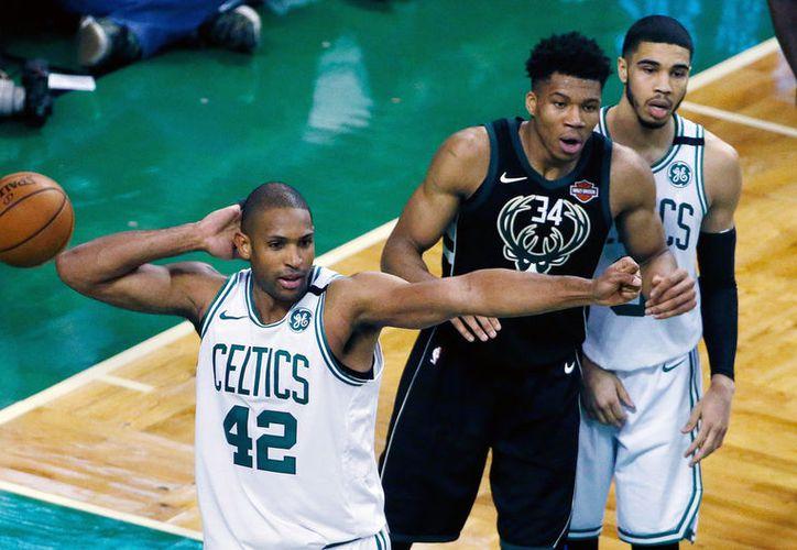 Los Celtics estaban al frente 99-95 con 0,5 segundos restantes en el tiempo regular. (Vanguardia MX)