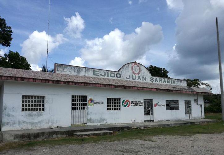 Ejidatarios de Juan Sarabia acusan de falsificar firmas para despojarlos de sus tierras, al comisario ejidal, Ernesto Haro Gutiérrez. (Javier Ortíz/SIPSE)