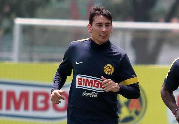 El volante argentino Rubens Sambueza indicó que el América saldrá a buscar los tres puntos para acortar el camino a la cima de la tabla general. (Archivo Notimex