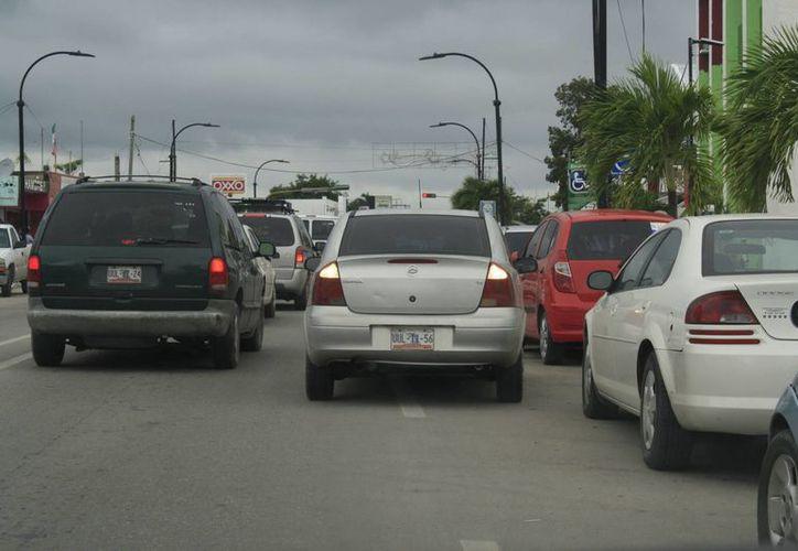Reconocen conductores que cometen infracciones por las prisas. (Claudia Martín/SIPSE)