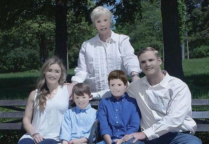 Pam Dace Zaring ha conseguido más de trescientos mil likes en Facebook por las fotos de su familia que compartió en su perfil. (Foto: El Mañana)