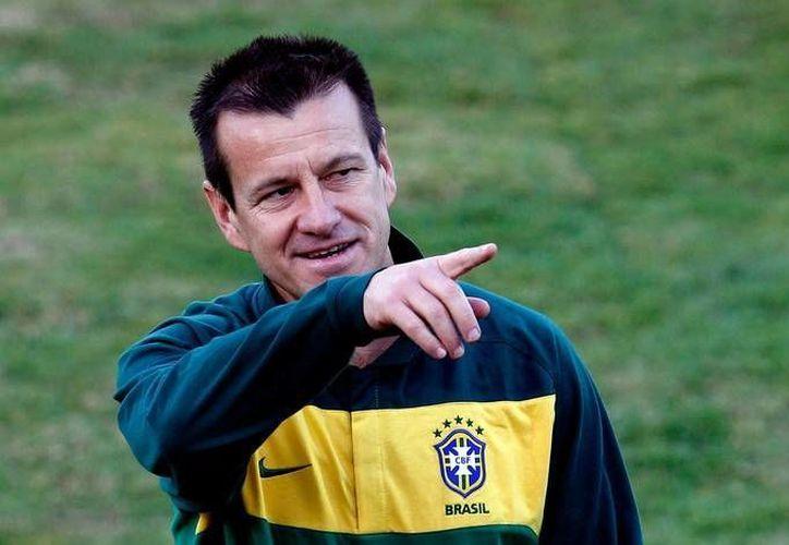 A partir de este martes, Dunga ya no es más técnico de Brasil. (AP)