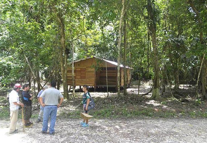 Ya se han instalado miradores, y las cabañas permitirán mayor estancia de los turistas en la zona. (Harold Alcocer/SIPSE)