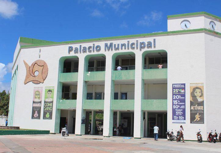 Diez trabajadores del Ayuntamiento de Othón P. Blanco podrían ser despedidos. (Daniel Tejada/SIPSE)