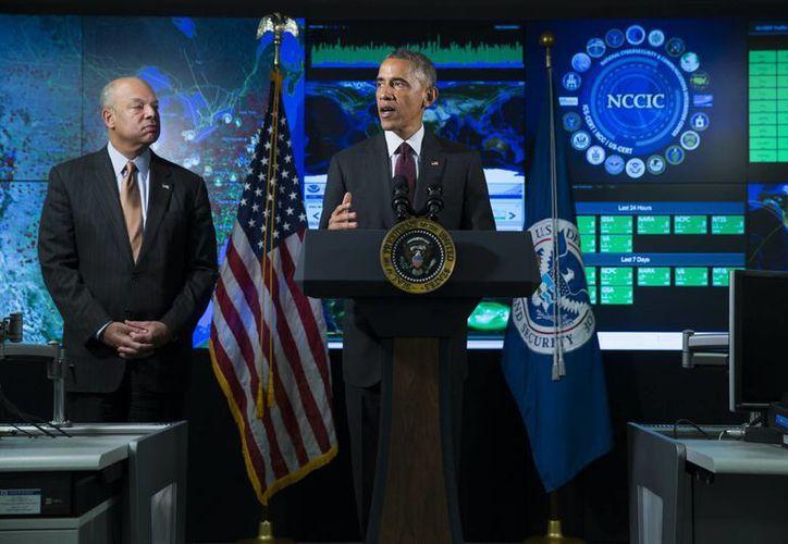 Obama aseguró que los ataques cibernéticos constituyen una amenaza 'urgente y creciente'. (AP)