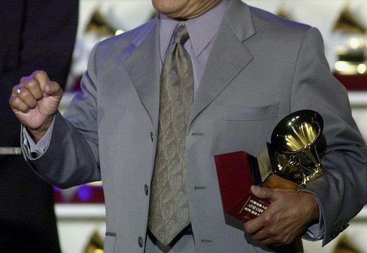 La Academia de la Grabación anunció hoy que Manzanero será reconocido con el Premio a la Trayectoria Artística el 25 de enero de 2014, un día antes de la entrega de los Grammy. (Agencias)