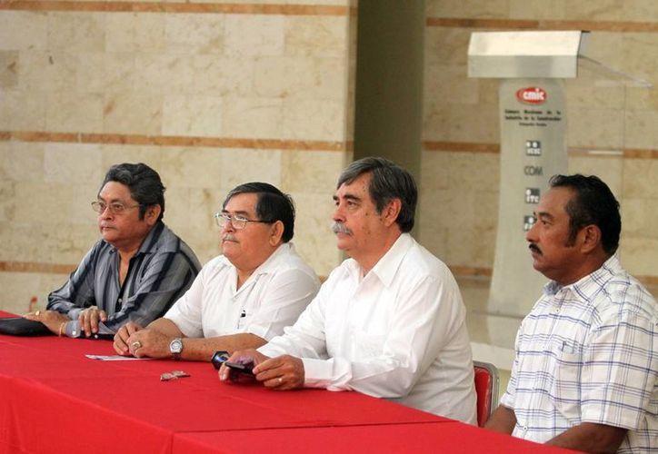 Francisco Javier Gallo Palmer, aspirante a la presidencia nacional de la CMIC, habló sobre la propuesta de ley que busca que la obra pública se detone en cada uno de los estados y con empresas locales. (Milenio Novedades)
