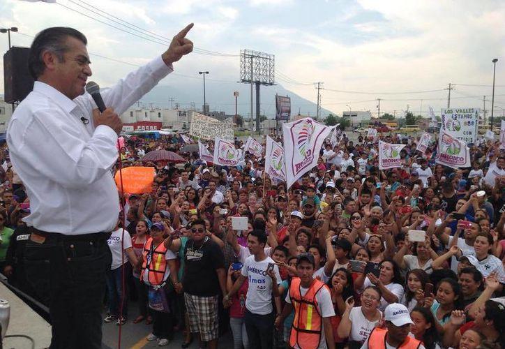 'El Bronco' cuenta con gran respaldo de la sociedad: incluso, el candidato de Movimiento Ciudadano por el gobierno de Nuevo León abandonó su campaña y se unió a él. (Facebook/Jaime Rodriguez Calderon)
