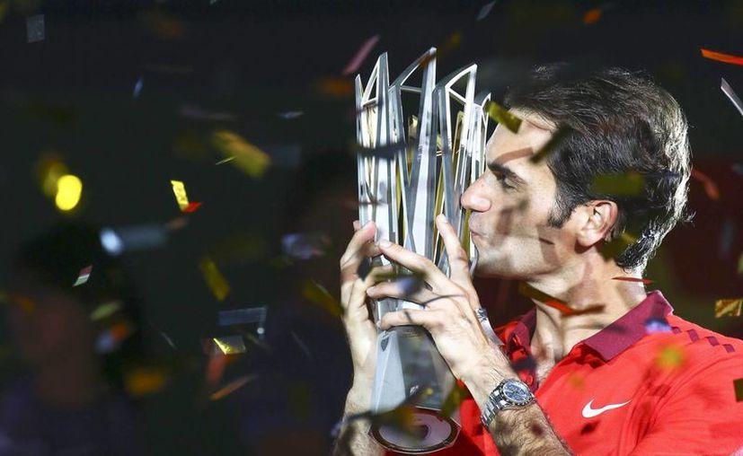 Roger Federer dijo sentir 'un honor increíble' de haber ganado el Masters 1000 de Shangai. (EFE)