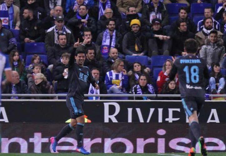 Con un gol del mexicano Carlos Vela, Real Sociedad superó 2-1 a Espanyol, donde juega otro mexicano, el defensa Diego Reyes. (Foto: LaLiga)