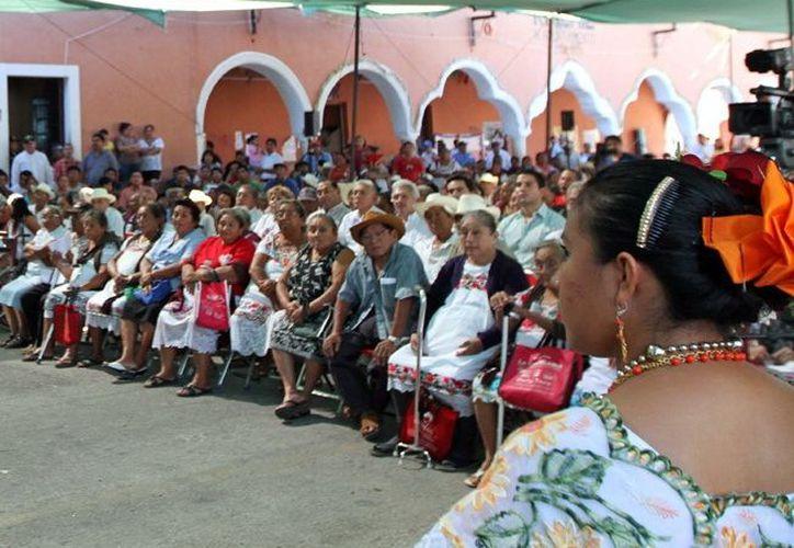 Más de cuatro mil habitantes serán beneficiados con la carrertera. (Milenio Novedades)
