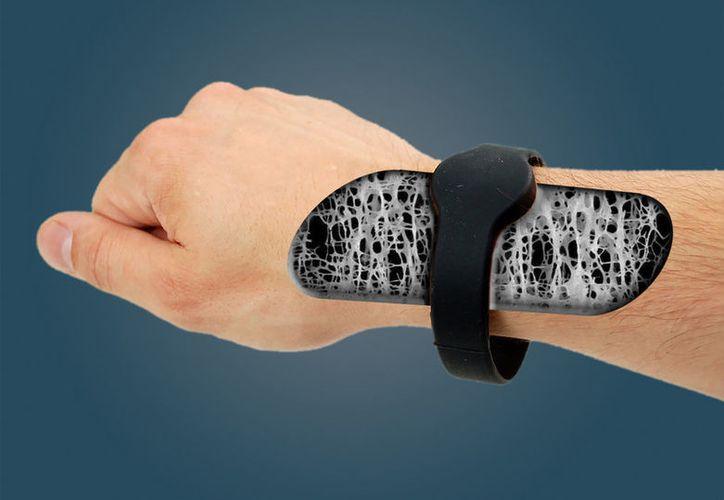 El instrumento no es invasivo y facilita la detección temprana de la osteoporosis. (Foto: Vanguardia)