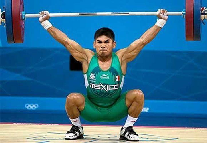 José Lino Montes(foto), forma parte del quinteto que representará a Yucatán en el V Campeonato Mundial de pesas. (Sipse.com)