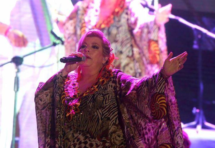 Una de las canciones más coreadas fue el 'Amor de mis amores' de Margarita 'La Diosa de la Cumbia'. (Notimex)