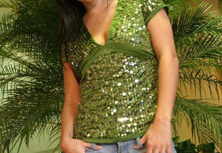 Lidia Ávila se mantiene en silencio ante el rumo de que está embaraza. (record.com.mx)