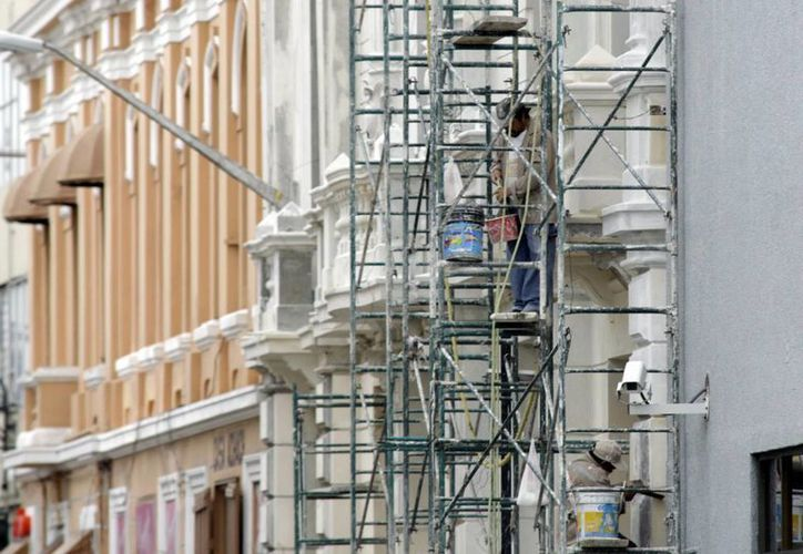 El programa de restauración de fachadas del Ayuntamiento de Mérida inició en 1995. (Archivo/SIPSE)