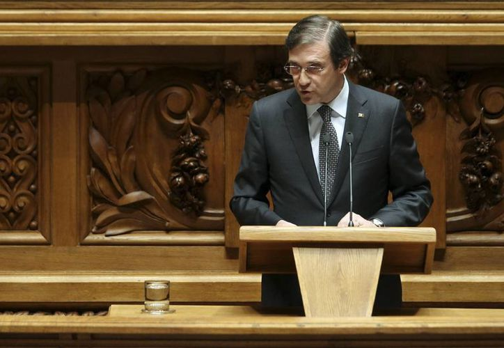 El primer ministro luso, Pedro Passos Coelho, pronuncia su discurso durante la presentación de una moción de confianza a la que el Gobierno se somete en el Parlamento de Lisboa, Portugal. (Archivo/EFE)