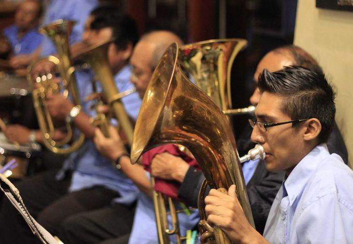 En la entidad hay cinco instituciones representativas: dos orquestas, dos coros y una banda .  (Harold Alcocer/SIPSE)