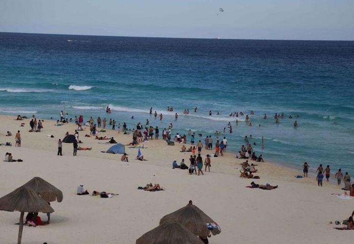En playa Delfines se han registrado los más recientes casos de ahogamiento de turistas nacionales y extranjeros. (Redacción/SIPSE)