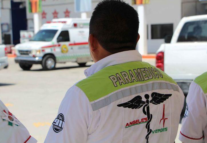 Dan a conocer que en las bases de bomberos siempre habrá una ambulancia. (Paola Chiomante/SIPSE)