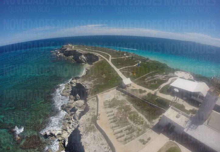 El lote de privilegiada ubicación, se encuentra en la zona norte de la isla. (Israel Leal/SIPSE)