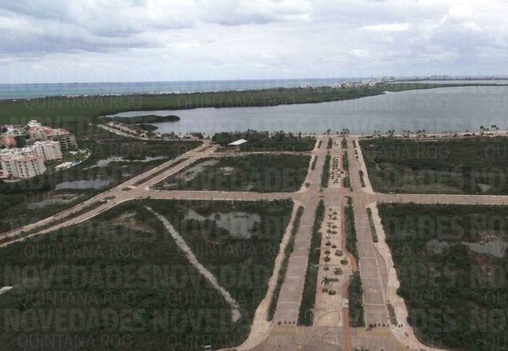 Malecón Tajamar se encuentra abandonado y se está convirtiendo en basurero. (Redacción)
