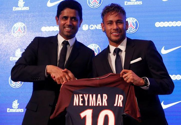 Durante su presentación, el futbolista aseguró que no aceptó fichar en el PSG por dinero. (Foto: La Vanguardia)