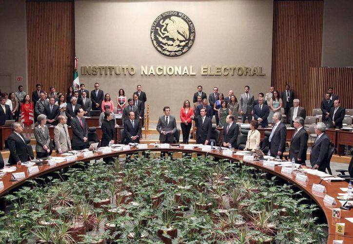La consejera  Adriana Margarita Favela asegura que el INE está comprometido con la transparencia. (Archivo/Notimex)