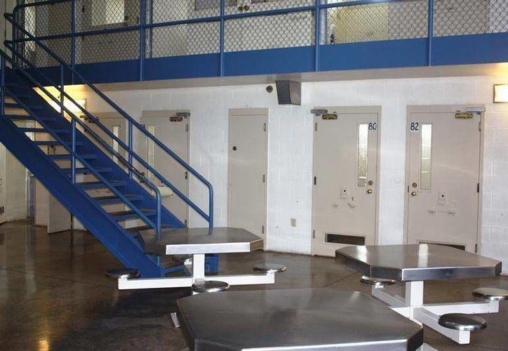La cárcel del condado de Summit, Ohio, redujo su capacidad de 671 a 522 presos. (wksu.org)