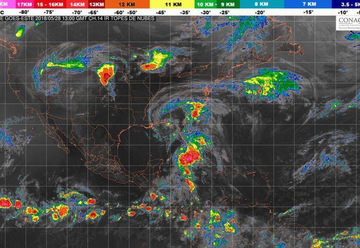 Durante el día de hoy se esperan tormentas en Playa del Carmen. (Conagua)