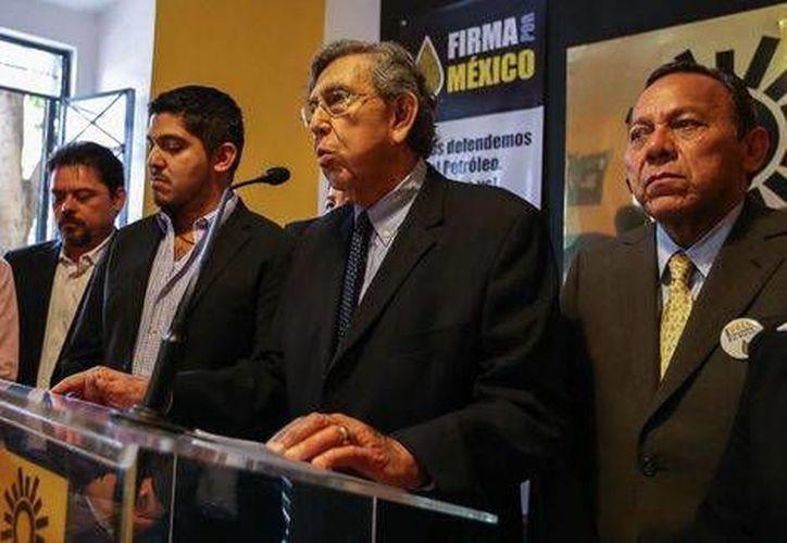 Cuauhtémoc Cárdenas presentó  la campaña por la consulta popular y el rescate del petróleo y la soberanía. (Nacho Reyes/Milenio)