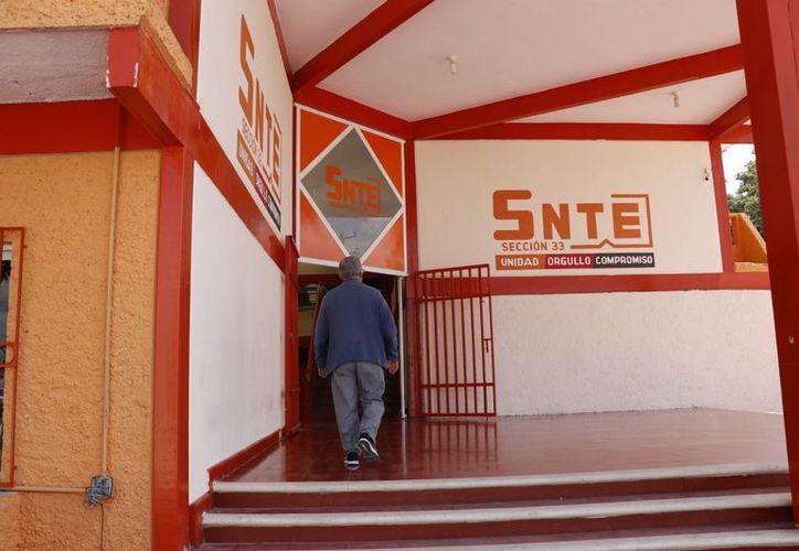 A los líderes de las secciones sindicales del SNTE en Yucatán les restan más de tres años de operación. (SIPSE)