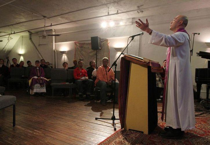 La mayoría de los religiosos asesinados en 2012 en el mundo fue por intento de robo. En la foto, misa en la Iglesia Metropolitana de Nueva York. (Agencias)