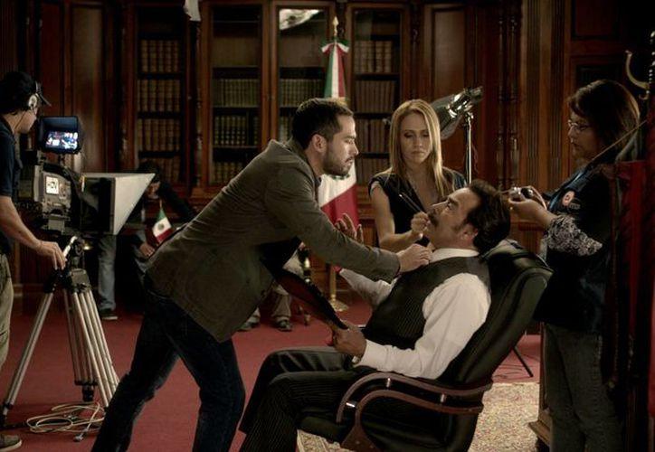 Joaquín Cosío y Alfonso Herrera comparten créditos en la cinta La Dictadura perfecta. (ladictaduraperfecta.com)