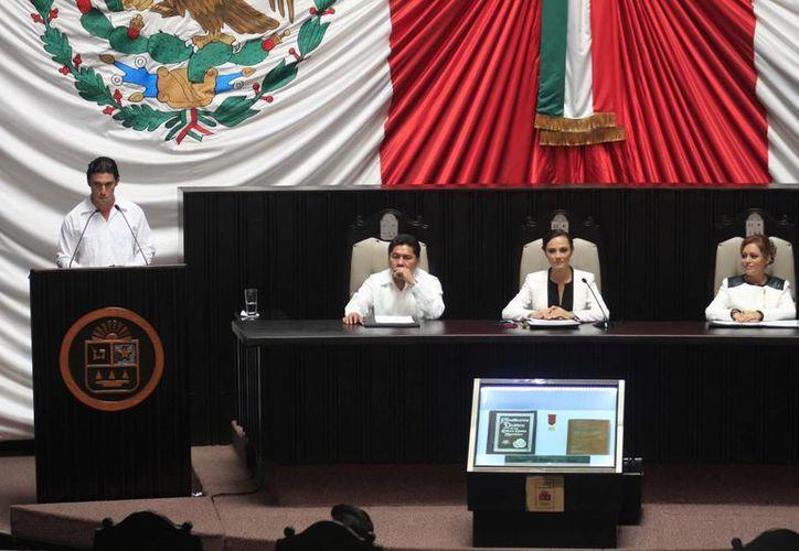 El 3 de septiembre las diputadas presentaron sus informes. (Harold Alcocer/SIPSE)