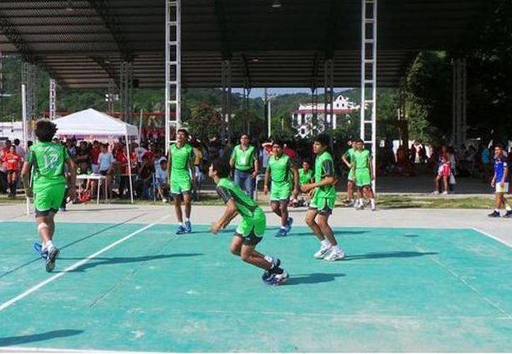 Actuación del equipo de basquetbol  del Cobay en el evento Sur-Sureste, celebrado en Huatulco, Oaxaca. (Milenio Novedades)