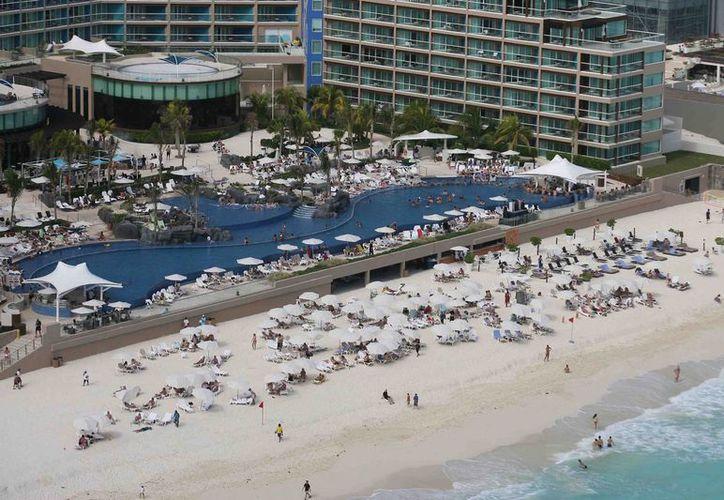 Cada vez es mayor la demanda de cuartos de hotel por aquellos ejecutivos y trabajadores que por negocios se desplazan sin reservación alguna.