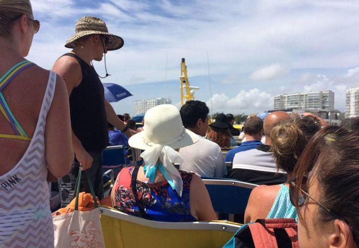 Puerto Juárez puede convertirse en un atractivo para quienes zarpan hacia Isla Mujeres o abordan el llamado barco pirata. (Israel Leal/SIPSE)
