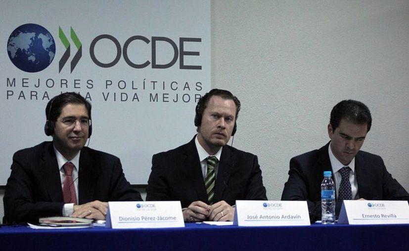 Representantes de la OCDE afirmaron que México tiene una baja recaudación tributaria. (Notimex)