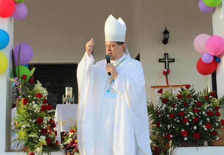 El Arzobispo de Yucatán, Monseñor Gustavo Rodríguez Vega, recibió su ordenación sacerdotal en la Basílica de la Purísima Concepción el 15 de agosto de 1980. (Milenio Novedades)