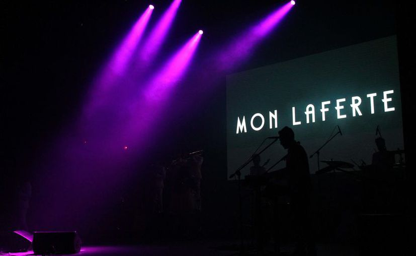 """El show arrancó con la canción """"Tormento"""", emocionando a los fanáticos de la cantante. (Redacción/SIPSE)"""