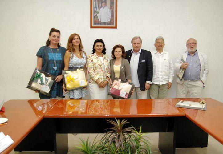 Los visitantes afirmaron que llevarán las ideas del DIF estatal a sus países. (Cortesía)