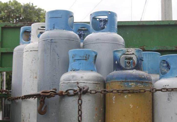 """Ayer dos tanques de gas de la empresa """"Gas Imperial"""" fueron decomisados por estar en mal estado. (Archivo/SIPSE)"""