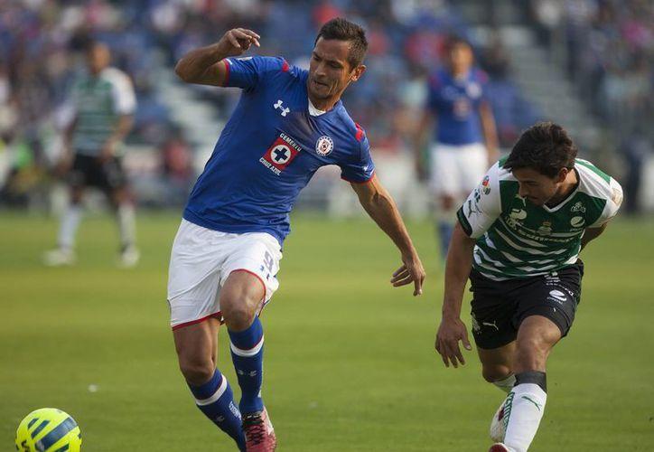 Se lesionó Roque Santa Cruz, quien no ha podido meter ningún gol desde que llegó como refuerzo a Cruz Azul. (Foto de archivo de Notimex)