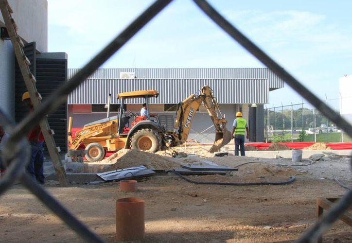 Desde finales del año pasado, el sector de la construcción ha buscado el apoyo. (Ángel Castilla/SIPSE)