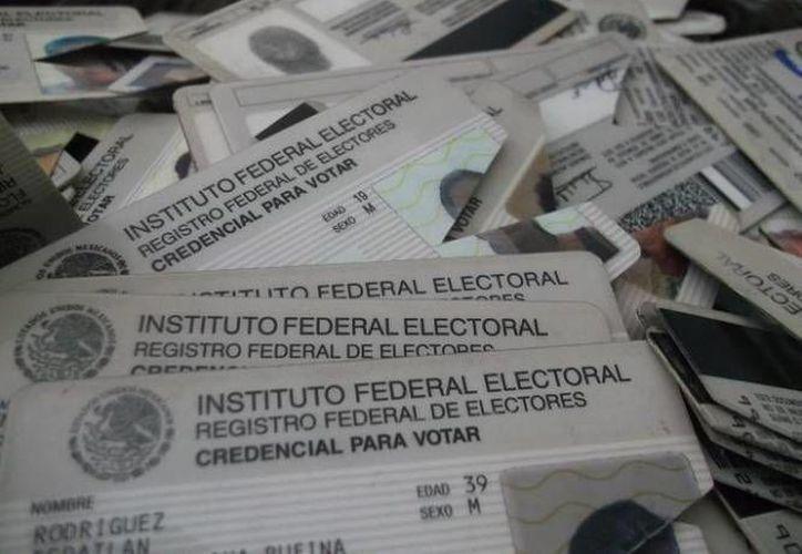 Las credenciales serán destruidas y serán enviadas a un centro especial para su reciclaje. (Archivo/SIPSE)
