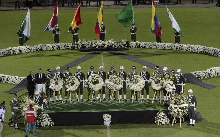 Homenaje al Chapecoense de Brasil en Colombia. (AP)