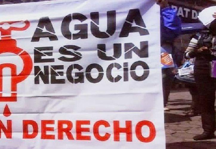 Desde el 5 de junio, Peña Nieto anunció la firma de 10 decretos que modificaron el estatus de veda que existía sobre 300 cuencas hidrológicas. (Regeneración)