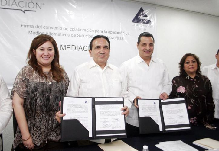 Canaco y el Centro Privado de Mediación firmaron acuerdo para resolver controversias de socios. (Milenio Novedades)